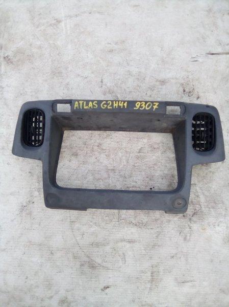 Консоль щитка приборов Nissan Atlas G2S41