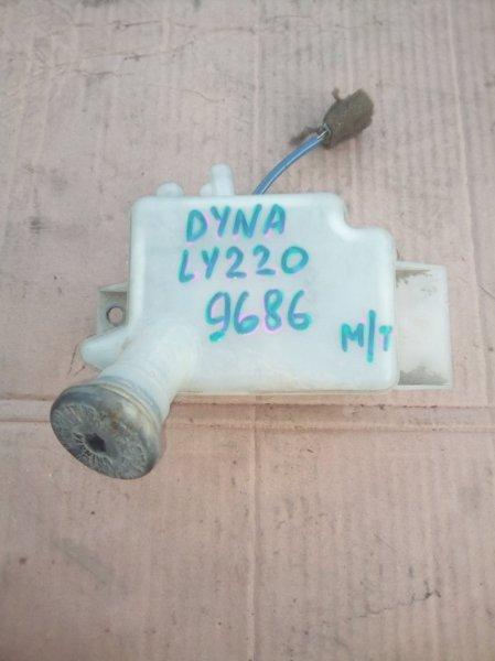 Бачок тормозной жидкости Toyota Dyna LY220 5L