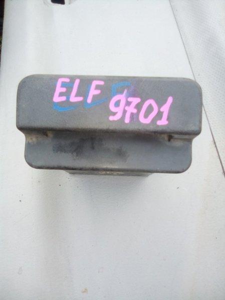 Пепельница Isuzu Elf NKR66E 4HF1