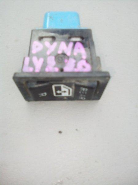 Кнопка стеклоподъемника Toyota Dyna LY220 5L задняя правая