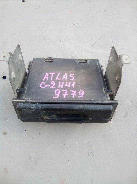 Подстаканник Nissan Atlas G2H41 FD42