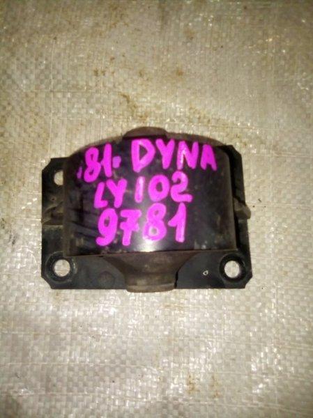 Подушка кпп Toyota Toyoace LY102 5L 2000