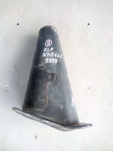 Защита (напольный кожух) рулевой колонки Isuzu Elf NKR66E 4HF1 2001 нижняя