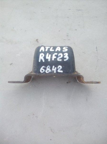 Отбойник рычага Nissan Atlas R4F23 QD32 1998 передний