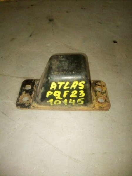Отбойник моста Nissan Atlas P2F23 TD27 задний