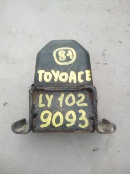 Отбойник моста Toyota Toyoace LY102 5L 2000 задний