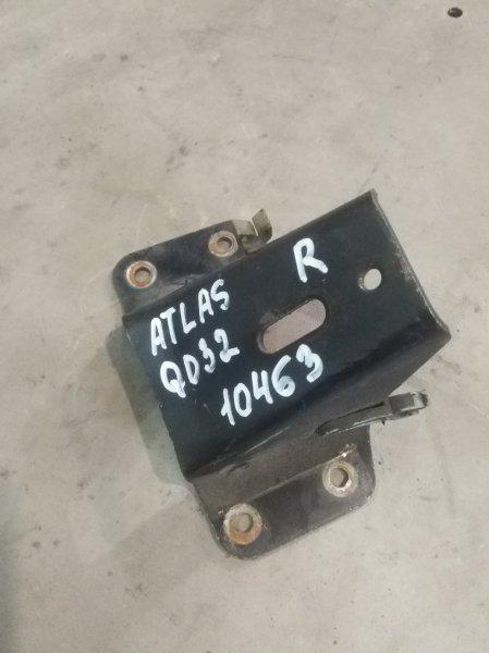Крепление двигателя Nissan Atlas R4F23 QD32 правое