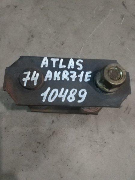 Серьга рессорная Nissan Atlas AKR71E 4HG1 2002 задняя