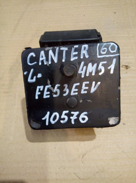 Подушка двигателя Mitsubishi Canter FE53EEV 4M51 2002 левая