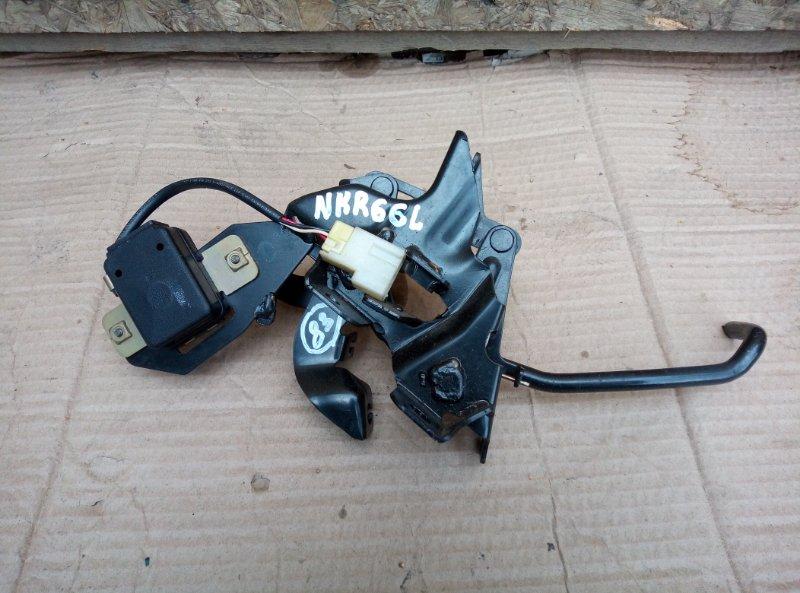 Педаль газа Isuzu Elf NKR66L 4HF1 1998