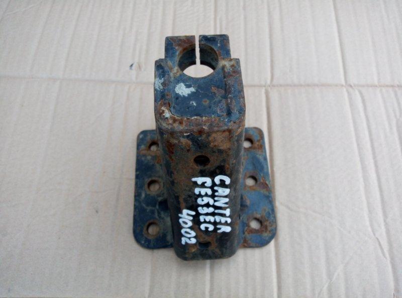 Кронштейн рессоры Mitsubishi Canter FE53EC 4M51 1999 задний правый