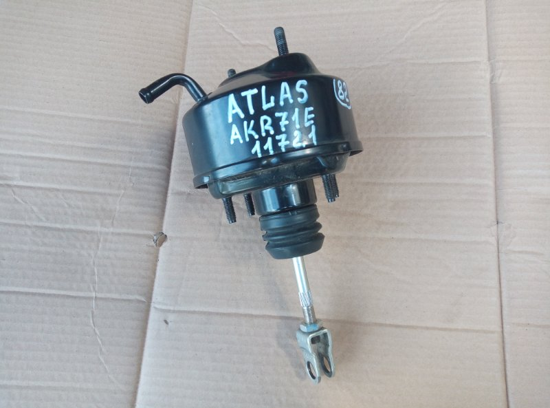Вакуумный усилитель сцепления Nissan Atlas AKR71E 4HG1 1996