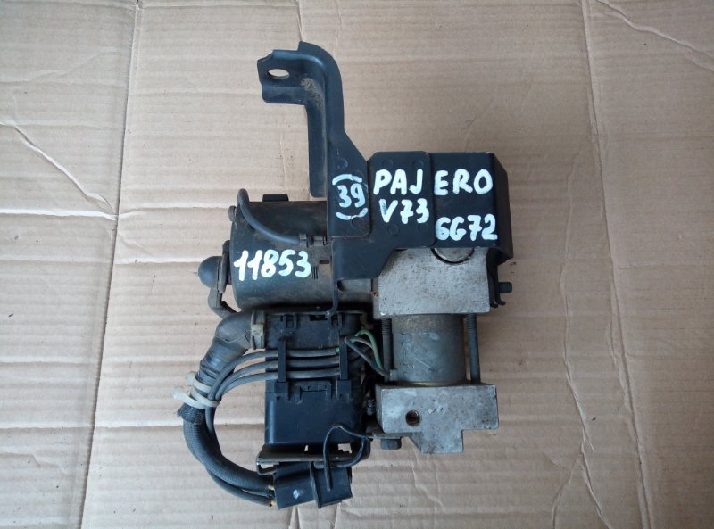 Блок abs Mitsubishi Pajero V73 6G72 2002