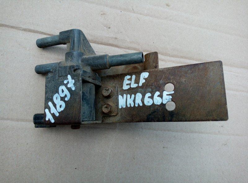 Клапан электромагнитный Isuzu Elf NKR66E 4HF1 1998