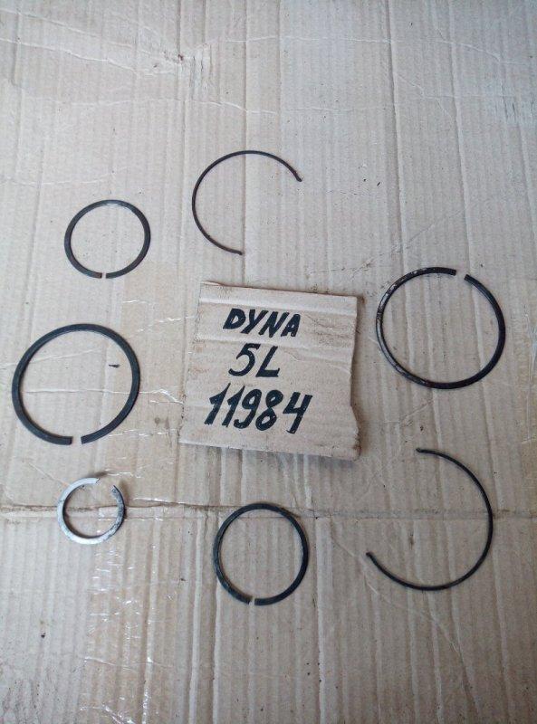 Стопорное кольцо Toyota Dyna LY212 5L