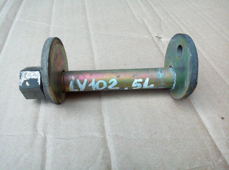 Болт рычага Toyota Toyoace LY102 5L 2000