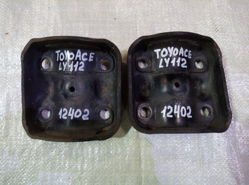 Опора рессоры Toyota Toyoace LY112 5L 2000 задняя