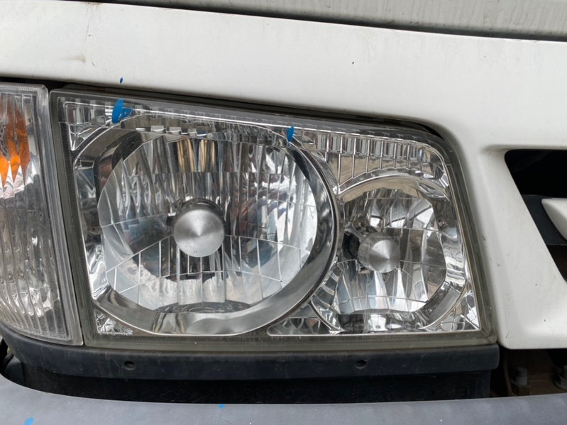 Фара Mazda Titan WHS5T VS 2001 передняя правая