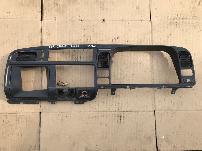 Консоль щитка приборов Mitsubishi Canter FE638EV 4D35 1996