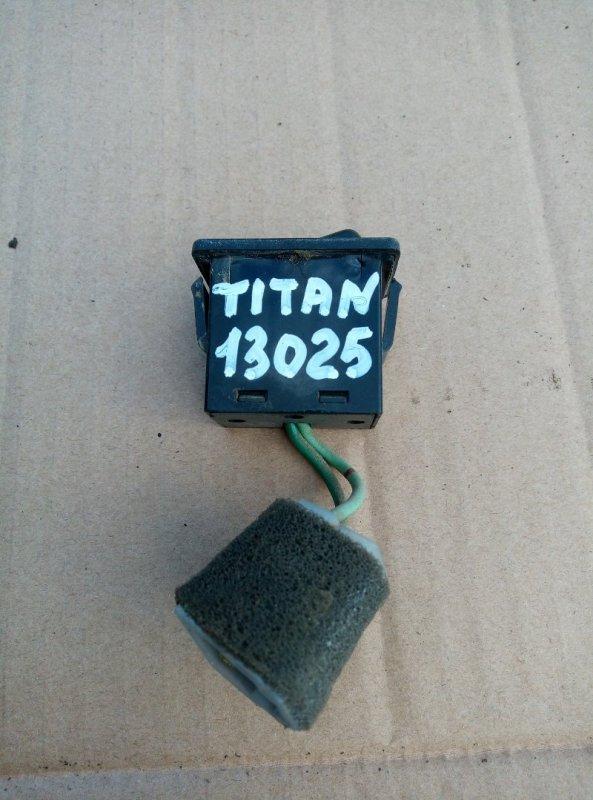 Кнопка включения противотуманных фар Mazda Titan WGFAK TF 1996
