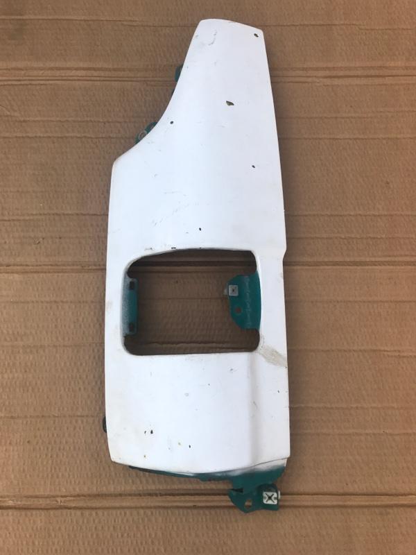 Щека Toyota Dyna BU102 левая