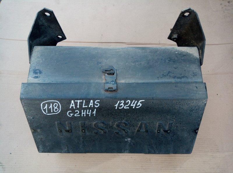 Ящик для инструментов Nissan Atlas G2H41 FD42 1994