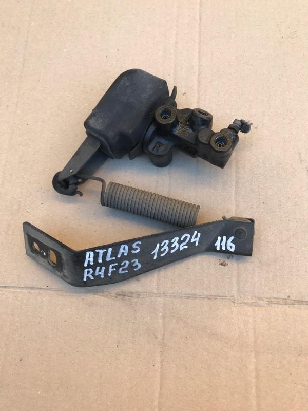 Клапан перераспределения тормозных сил Nissan Atlas R4F23 QD32 2005