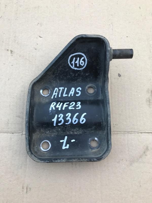 Крепление амортизатора Nissan Atlas R4F23 QD32 2005 заднее левое