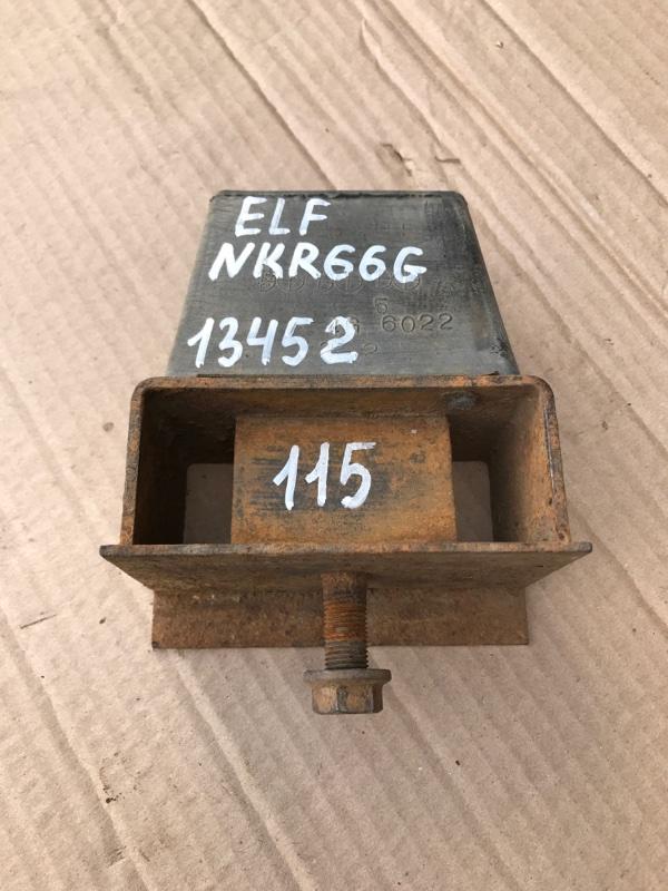 Отбойник моста Isuzu Elf NKR66G 4HF1 1993 задний