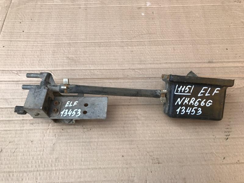 Клапан Isuzu Elf NKR66G 4HF1 1993