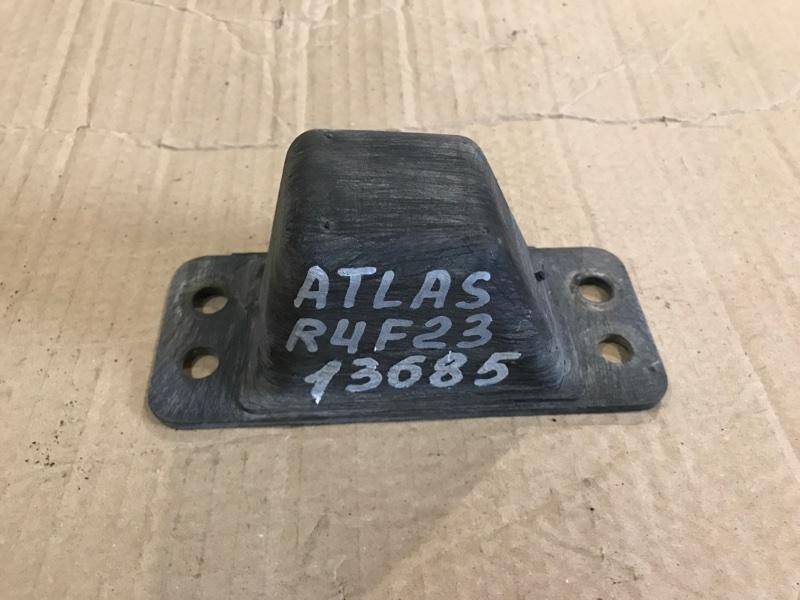 Отбойник моста Nissan Atlas R4F23 QD32 1998 задний