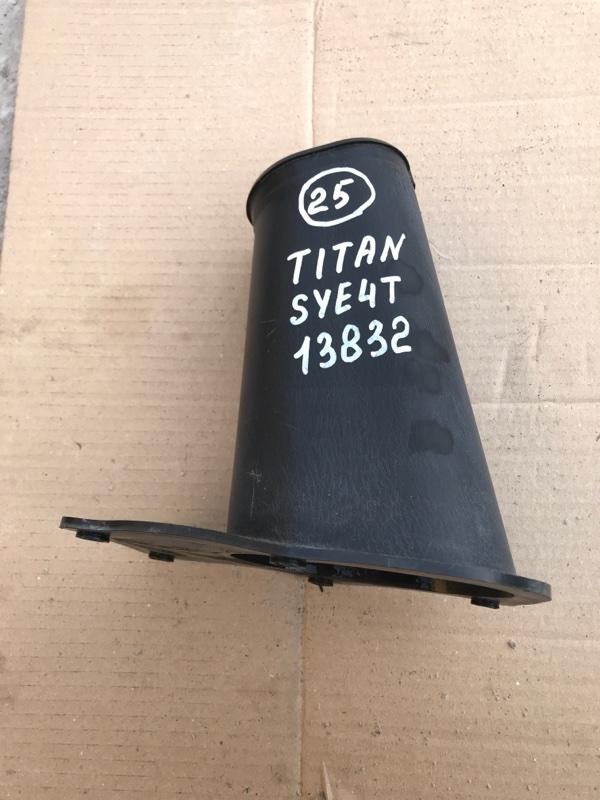 Защита (напольный кожух) рулевой колонки Mazda Titan SYE4T FE 2002