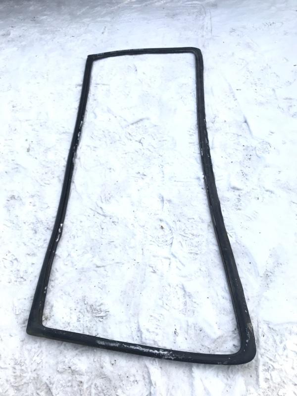 Резинка лобового стекла Isuzu Forward FRR32H1 6HE1 1995