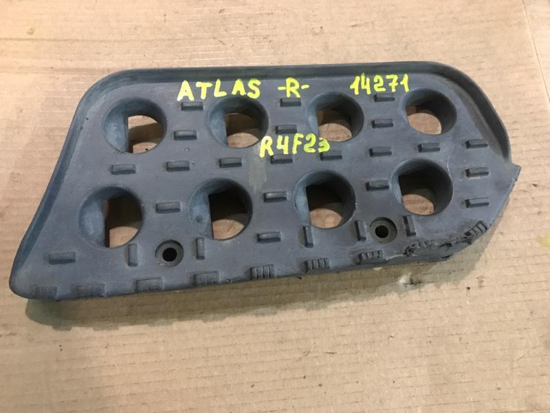 Подножка Nissan Atlas R4F23 QD32 1999 правая