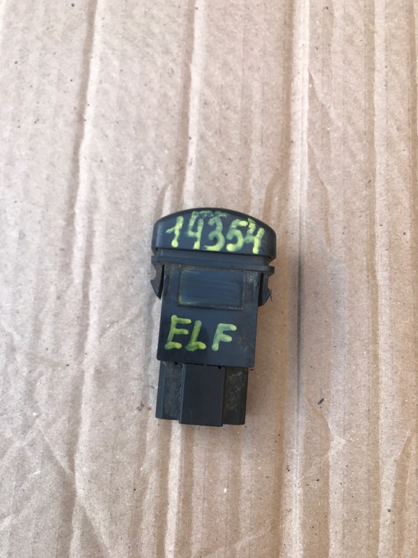 Кнопка Isuzu Elf NPR75L 4HK1 2002