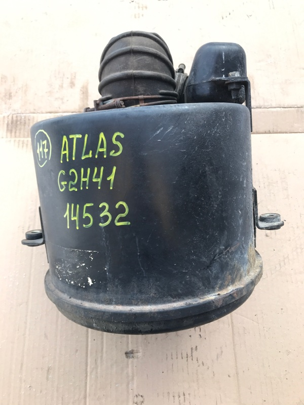 Корпус воздушного фильтра Nissan Atlas G2H41 FD42 1993