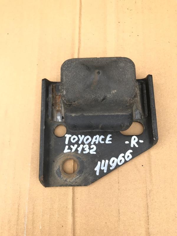Отбойник моста Toyota Toyoace LY132 5L 2000 задний правый