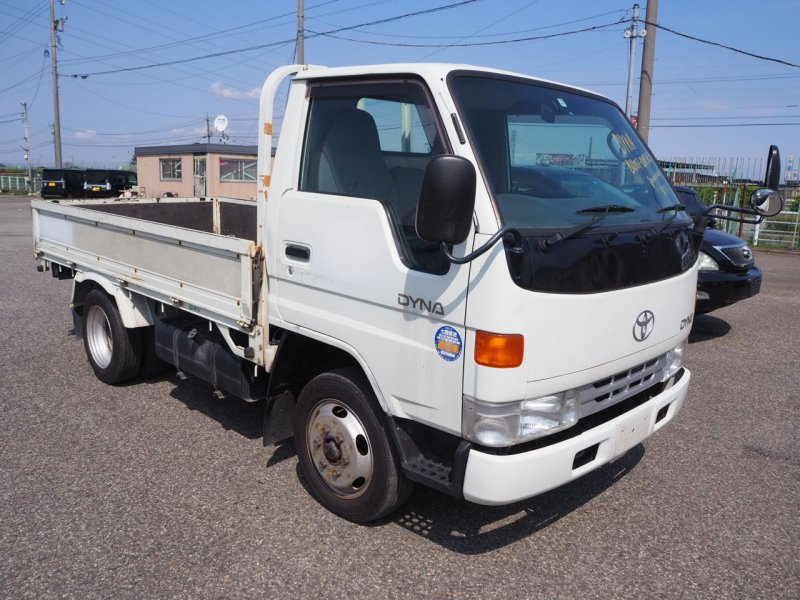 Кузов бортовой Toyota Dyna BU107 15B 1997