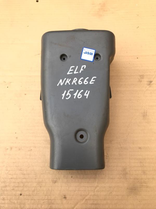 Кожух рулевой колонки Isuzu Elf NKR66E 4HF1 1998