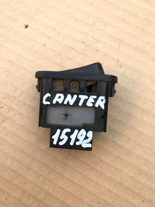 Кнопка включения противотуманных фар Mitsubishi Canter FB501B 4M40 1997