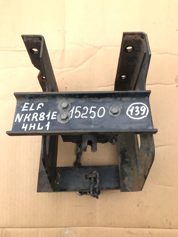 Крепление запаски Isuzu Elf NKR81E 4HL1 2004