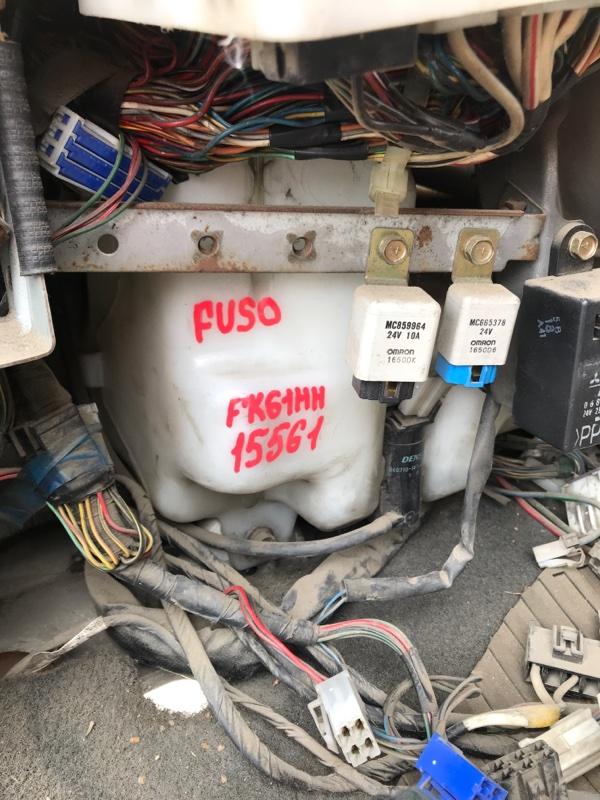 Бачок стеклоомывателя Mitsubishi Fuso FK61HH 6M61 2001
