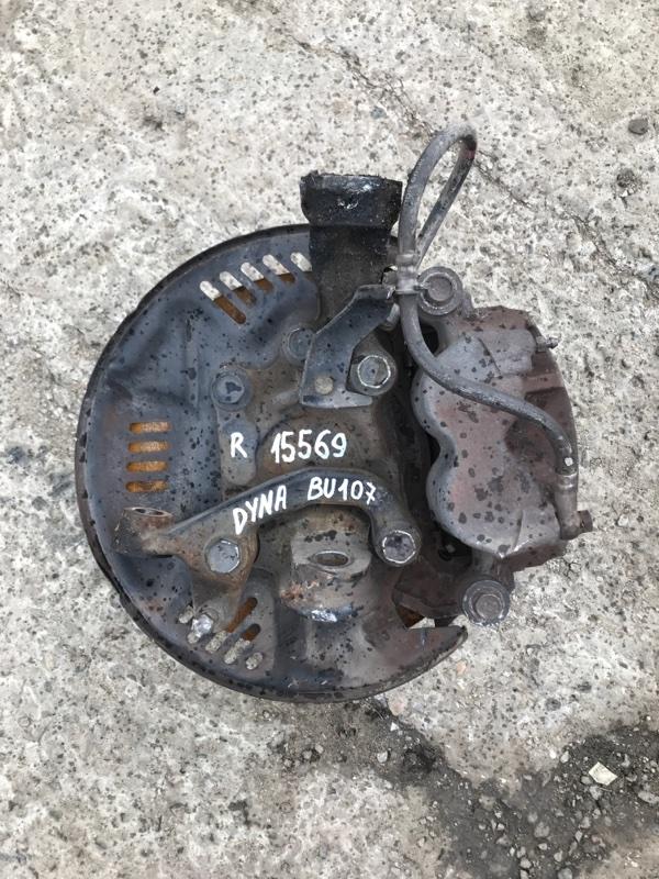 Поворотный кулак Toyota Dyna BU107 15B 1997 правый