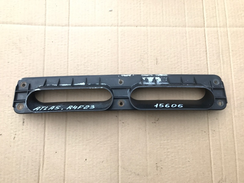Накладка Nissan Atlas R4F23 QD32 1999