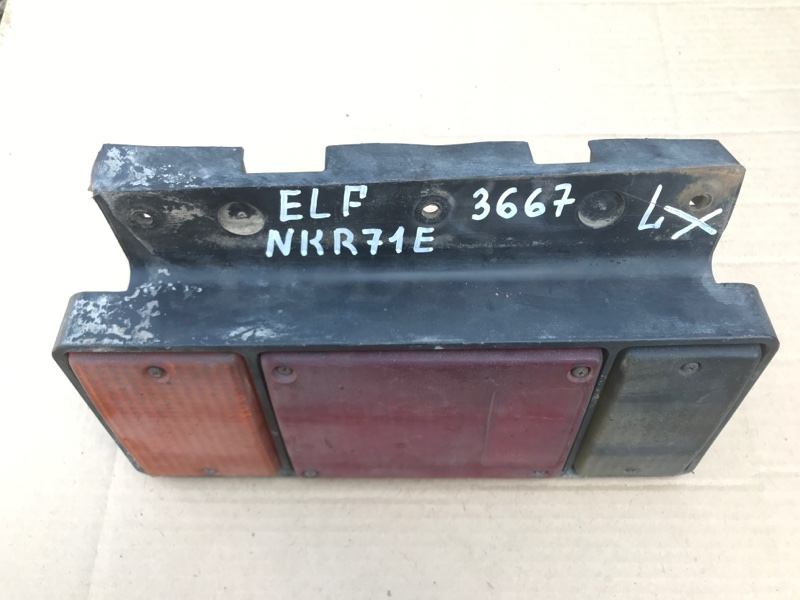Стоп сигнал Isuzu Elf NKR71E 4HG1 1999 задний левый