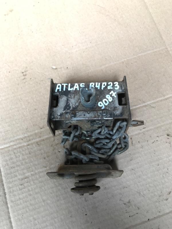 Механизм крепления запасного колеса Nissan Atlas R4F23 QD32 1999
