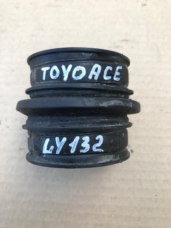Гофра воздушного фильтра Toyota Toyoace LY132 5L 2000