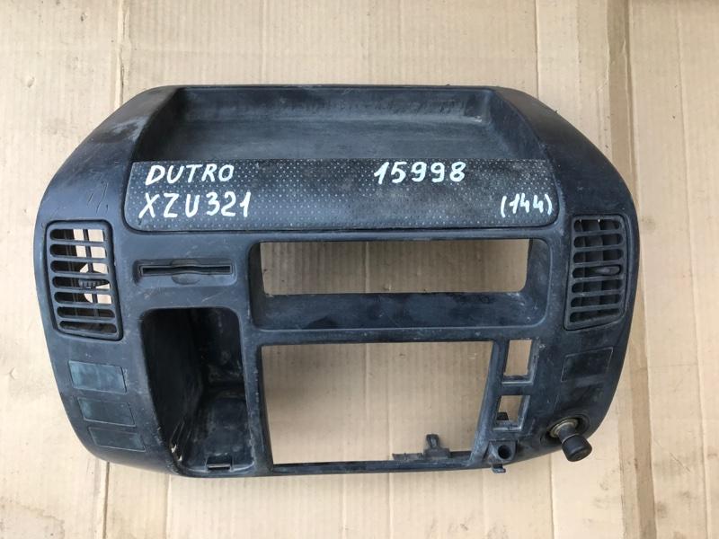 Консоль магнитофона Hino Dutro XZU321 S05D 2004