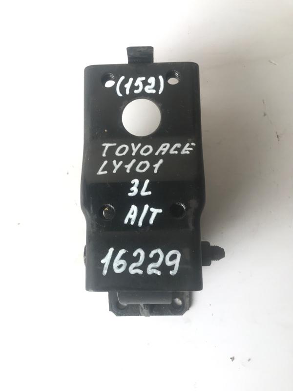 Подушка кпп Toyota Toyoace LY101 3L 1997
