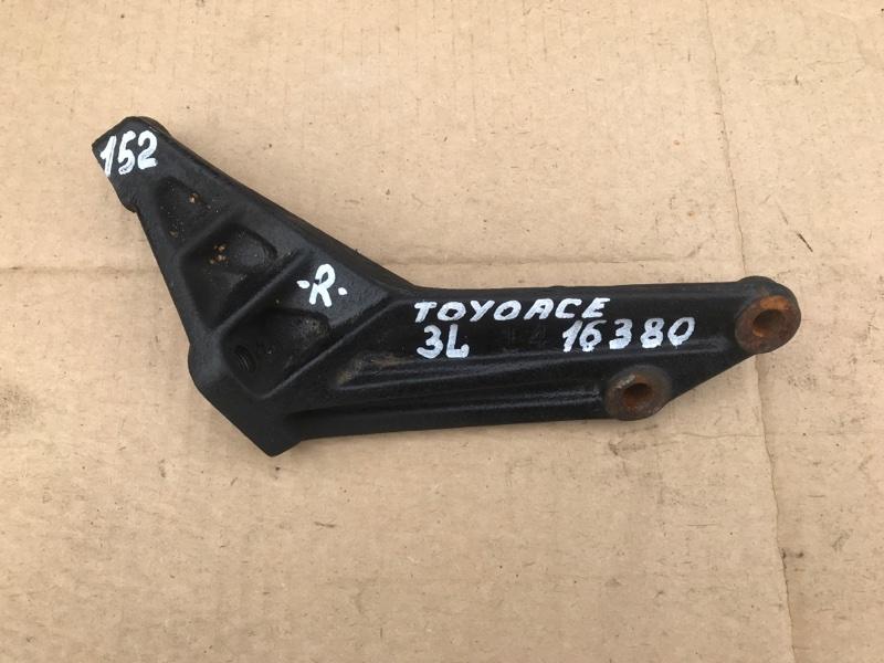 Крепление двигателя Toyota Toyoace LY101 3L 1997 правое